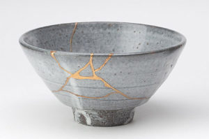 Photo of a cracked vessel